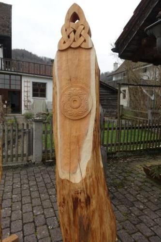Eibeskulptur Keltische Fibel Uetliberg