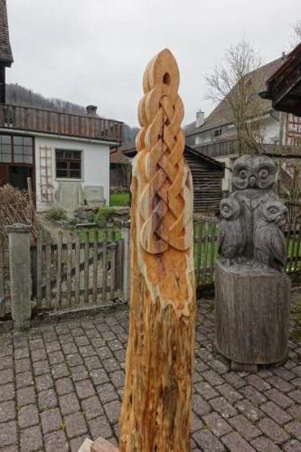 Eibenskulptur Keltisches Bandwerk Uetliberg